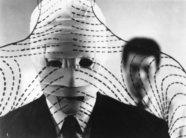 «Чужое лицо», режиссёр Хироси Тэсигахара
