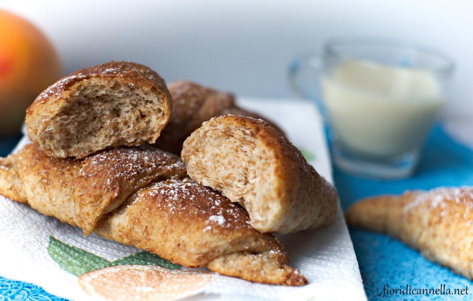Croissants Integrali Vegan Fiori Di Cannella