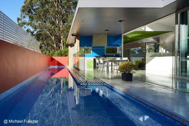 Arquitectura de casas moderna residencia sustentable de for Piscina sustentable