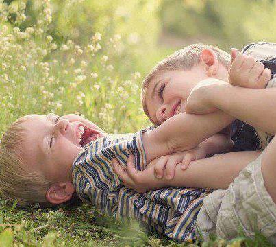 صور اطفال رومانسية صور اطفال مضحكة صور اطفال كول صور اطفال للفيس بوك 2017 264671_2544156913447