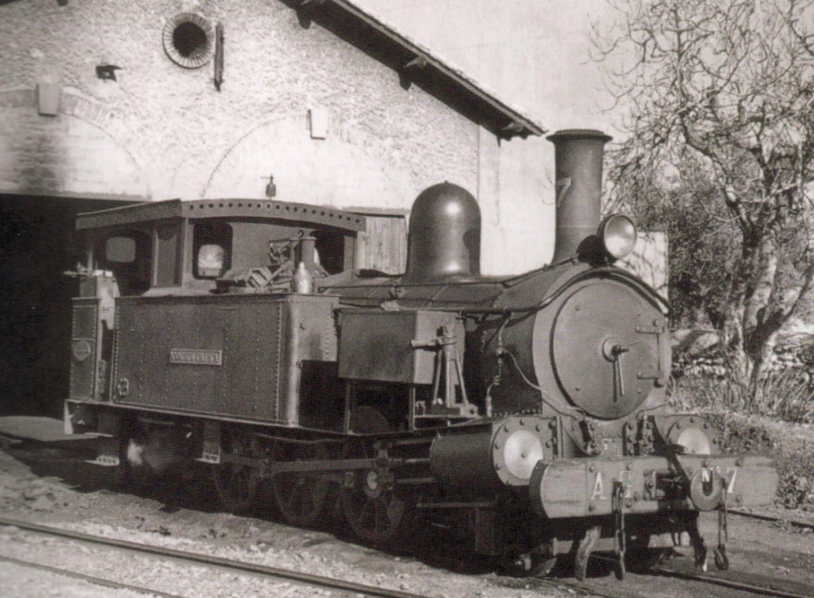 Locomotora número 7, Cocentaina, eixint de les cotxeres d'Alcoi