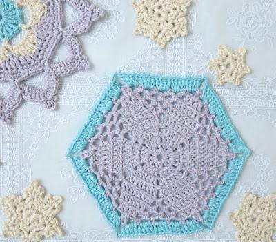 ByHaafner, crochet, doilies, snowflakes, pastel colours