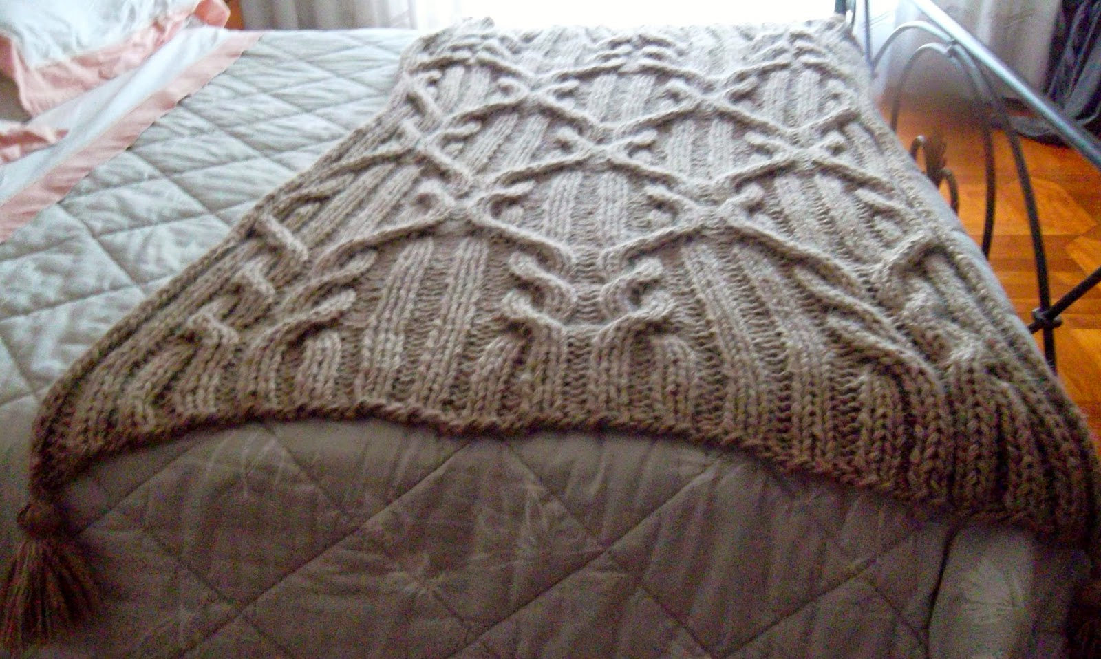 Crazy uncinetto e non solo coperta a trecce - E questa sera nel letto mettero qualche coperta in piu ...