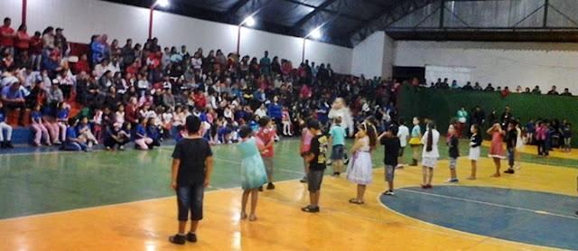 """Roncador: Escola João Paulo realiza o """"Dia da Família"""""""