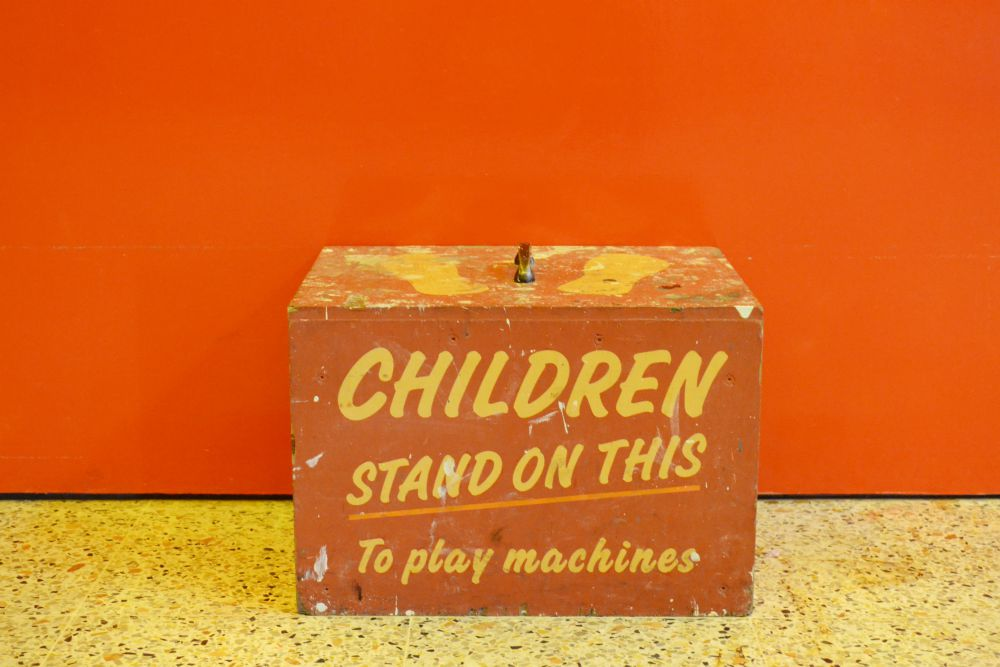 amusements children stand brighton vintage
