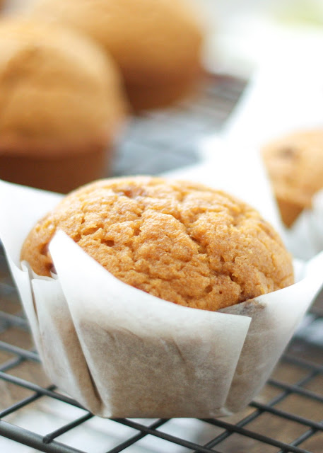 Making your own muffin and cupcake liners is EASY! Find out how at barefeetinthekitchen.com