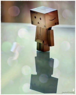 Gambar Boneka Danbo Sedih Galau