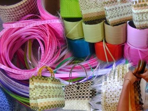 หางานทำที่บ้าน งานสานกระเป๋า เย็บถุงเท้า ค่าแรง 1200 ต่อครั้ง