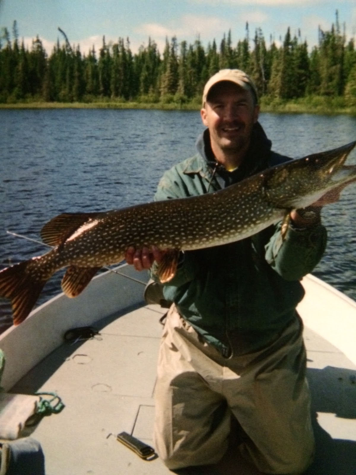 Red lake fishing reports ontario for monster northern pike for Ontario fly in fishing