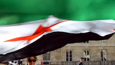 la-proxima-guerra-bandera-de-siria-ondeando