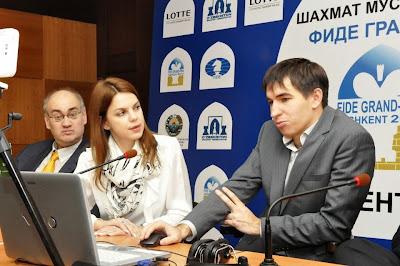 Échecs à Tashkent : Dmitry Andreikin lors de la conférence de presse de la ronde 10 - Photo © Anastasia Karlovich