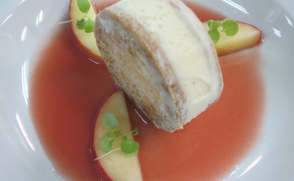 Country Gourmet Traveler: Peach Soup with Ice Cream Sandwich