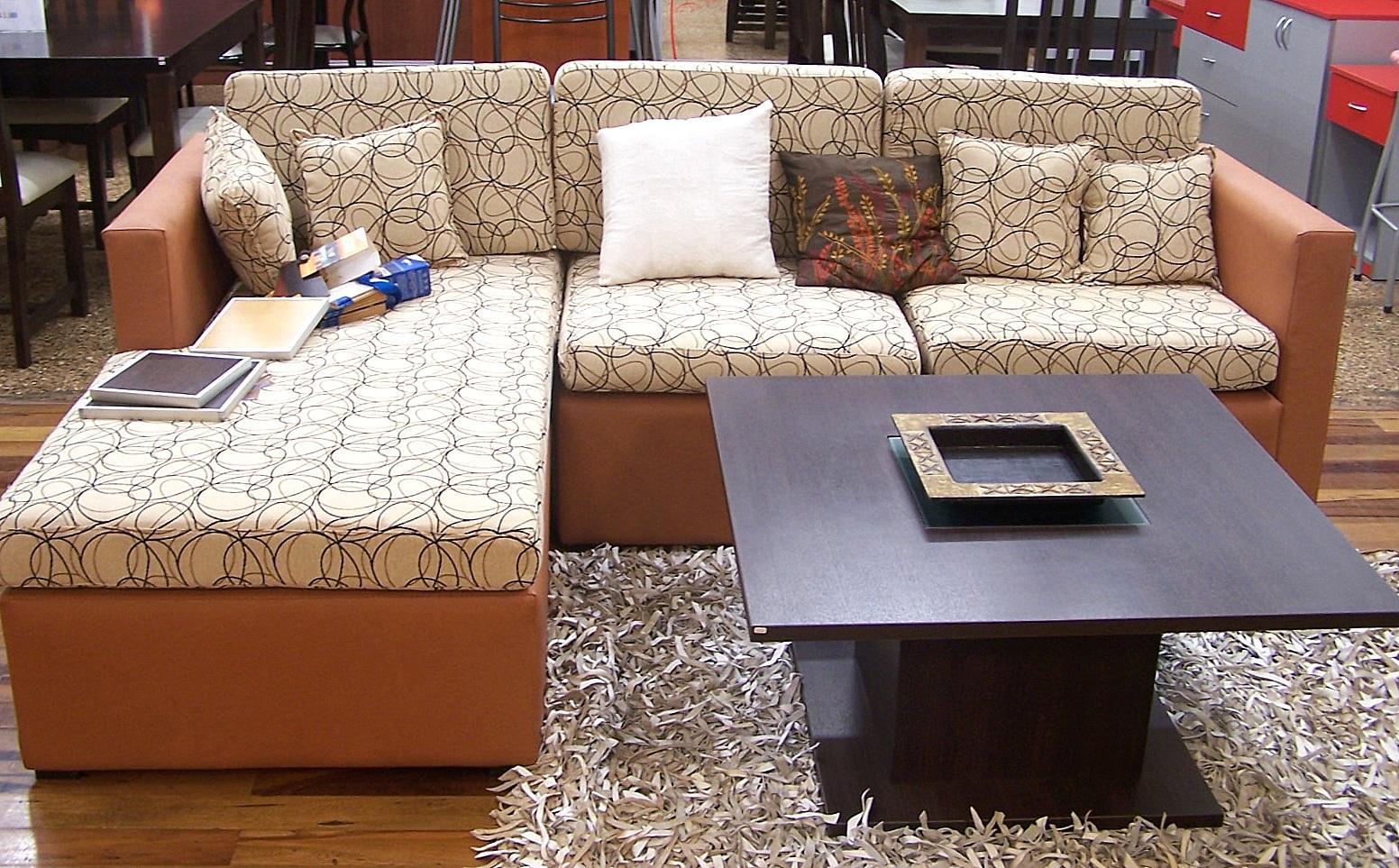 Hogar y vivienda centro amoblamientos juego de living for Juego de sillones para living