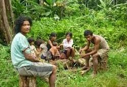 mengasuh anak adat, budaya anak, masyarakat budaya, anak adat