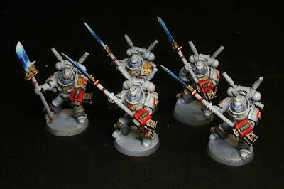escuadra interceptora de los caballeros grises de Warhammer 40000 terminada