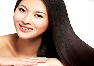 Rambut panjang dan sehat serta berkilau