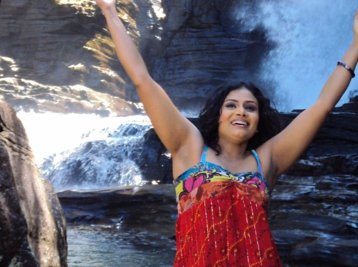 Amila Nadeeshani - Sri Lankan Actress - Sri Lankan Singer