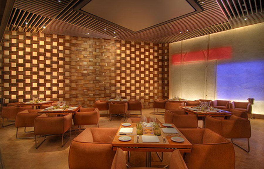 Modern decor hospitality restaurant interior design