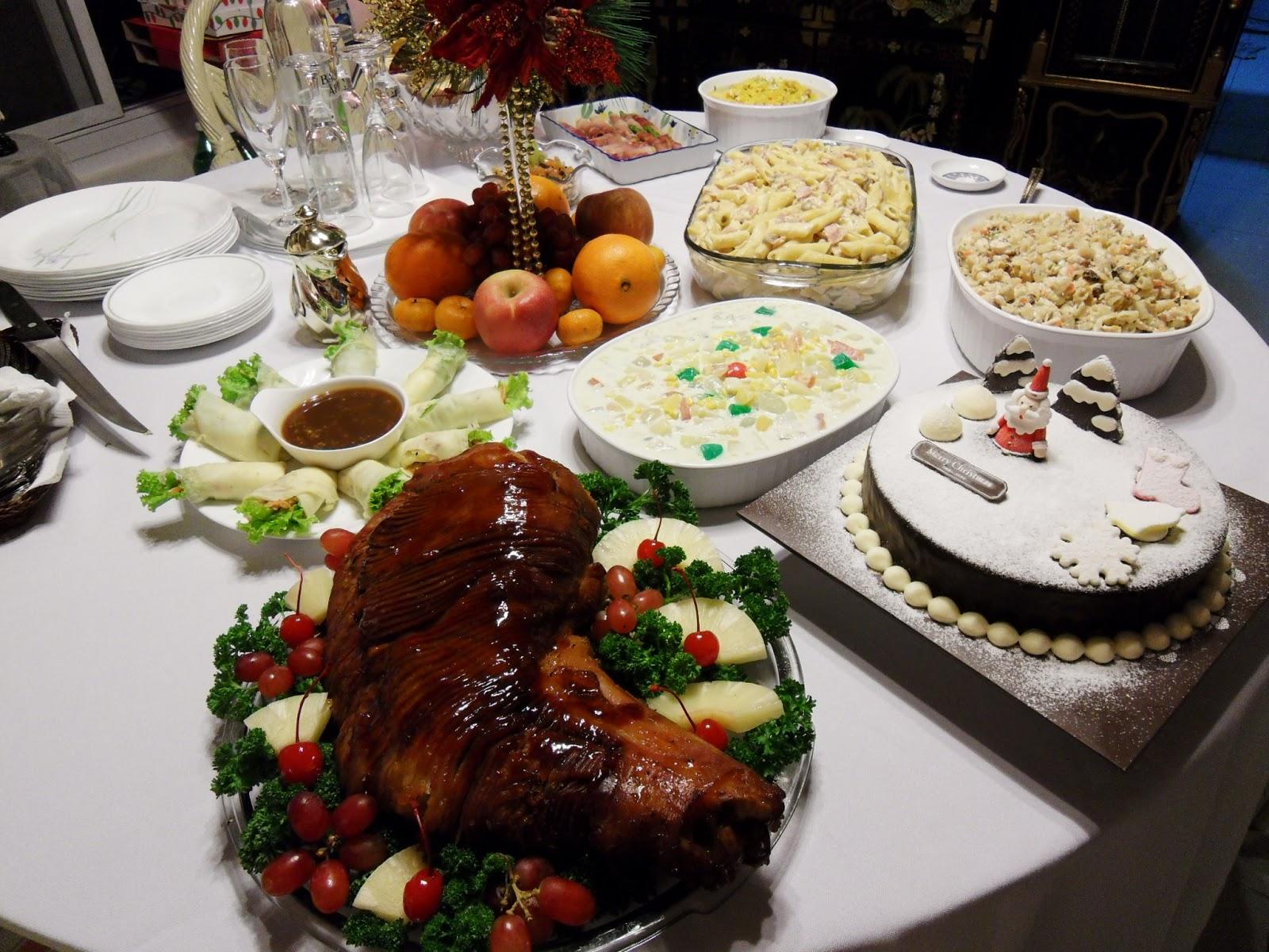 noche buena La nochebuena es la celebración cristiana de la noche en que nació jesús, la noche del 24 de diciembre, [1] víspera del día de navidad (25 de diciembre.