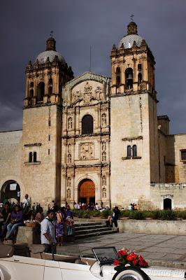 dfhoto, blog para comopartir tus fotografías Fotografía de la Iglesia de Santo Domingo y unas calles de Oaxaca en México