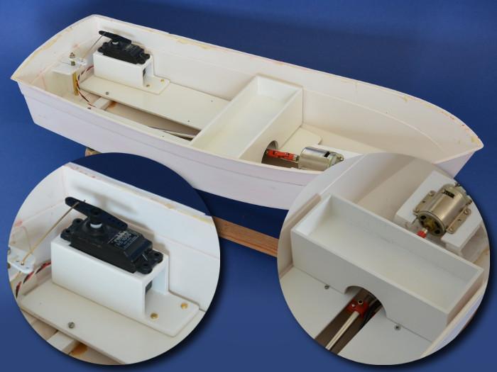 Graupner Marina - Neues Innenleben (Detailaufnahme): Neue Servohalterung und Akkuschale aus Holz gefertigt
