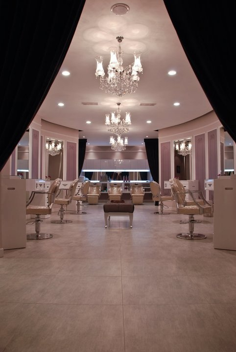 Elan top four picks of the best salons in the middle east for A creative touch beauty salon