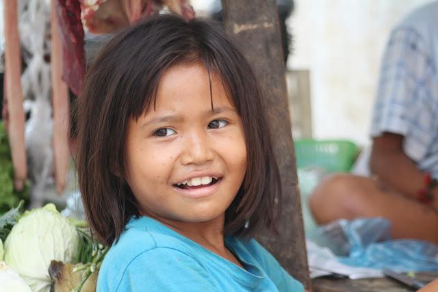 Rétrospective, visages d'enfants khmers