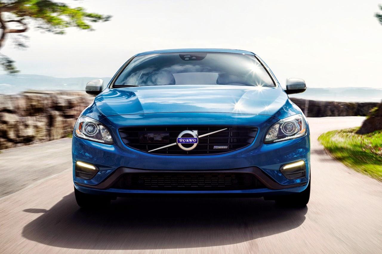 Volvo V60 Plug-In Hybrid R-Design front