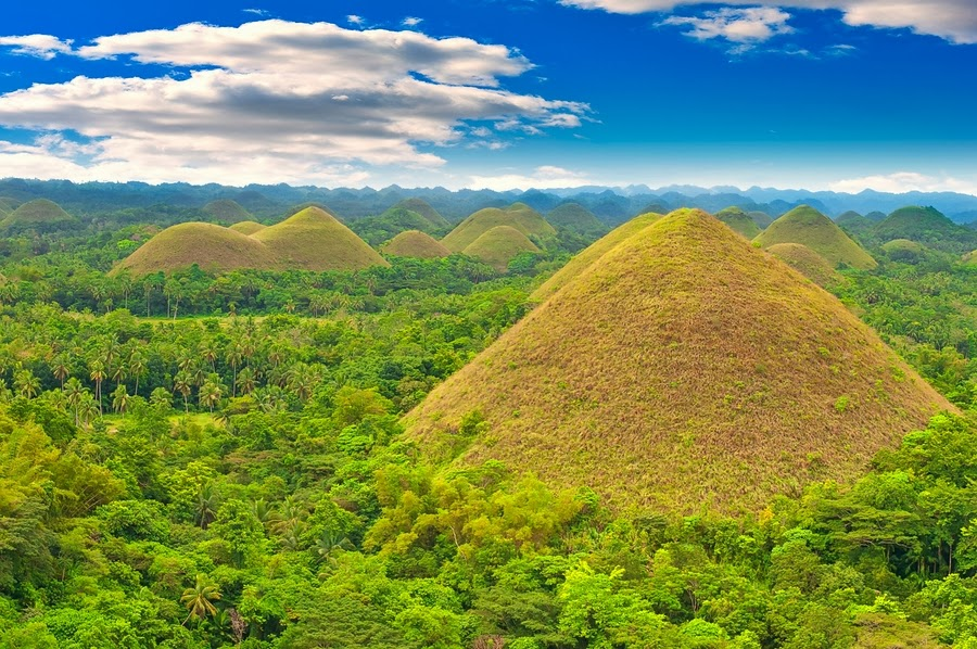Chocolate Hills in Bohol (summer)