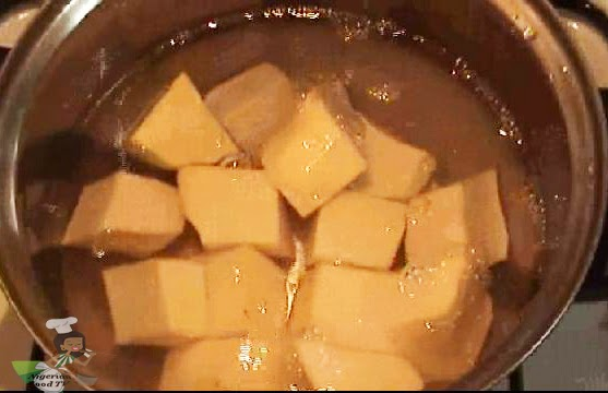 boiling yam for Nigerian Yam and Fresh Fish Pepper Soup