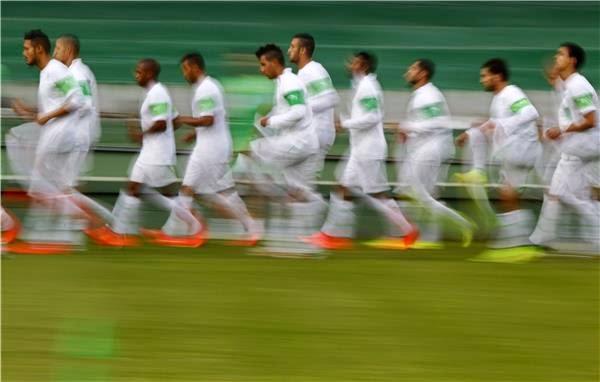 لاعبو الجزائر الأكثر التزاما بصوم رمضان في حالة تأهلهم