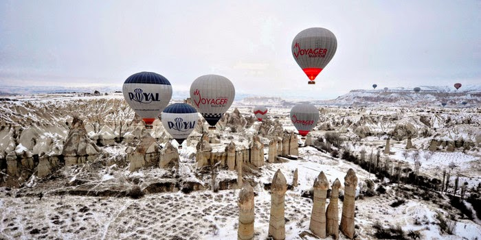 winter hot air ballooning in Cappadocia