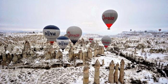 winter hot air ballooning in Cappadocia