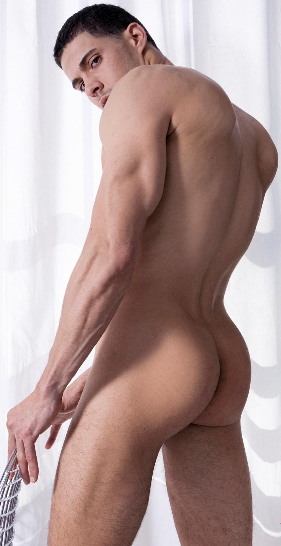 Tgp masculino joven desnudo