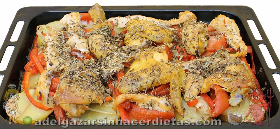 Receta saludable de Pollo con verduras al horno bajo en calorías, apta para diabéticos (teniendo cuidado de no comer muchas papas) y baja en colesterol.