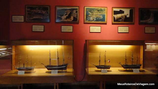 Réplicas de embarcações no Museo Naval y Maritimo - Valparaiso