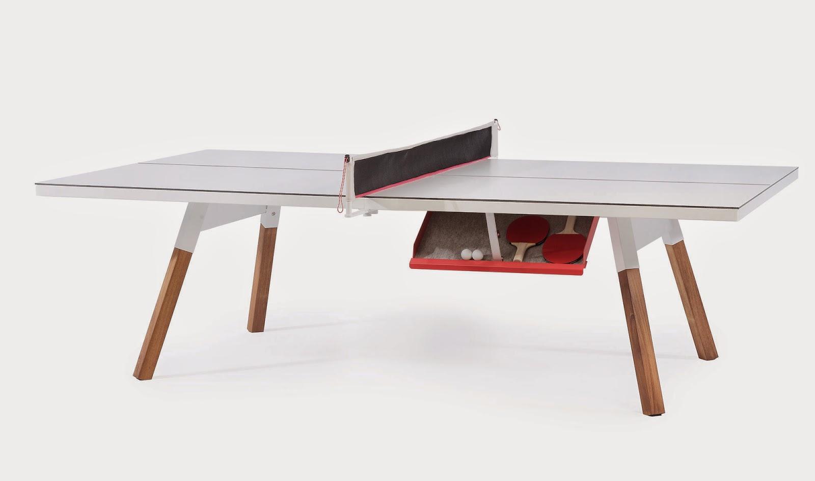 lo mejor de esta mesa convertible en mesa de ping pong es que cuenta con varias en blanco o negro para encajar mejor en nuestra decoracin