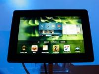 Ni una ni dos. Hemos elegido las cuatro tabletas más completas. La Samsung Galaxy 10.1, la LG optimus Pad, el iPad 2 de Apple y la PlayBook de Blackberry se enfrentan en los próximos meses para intentar hacerse con el podio a la mejor tablet del mercado. Expansión Cada una a su manera, las cuatro tabletas que comparamos hoy han intentado explotar al máximo esta nueva plataforma (a medio camino entre un smartphone y un netbook) aunque muchos usuarios todavía no saben muy bien su verdadera utilidad. Sea como fuere, los analistas insisten en que las tablets serán el producto