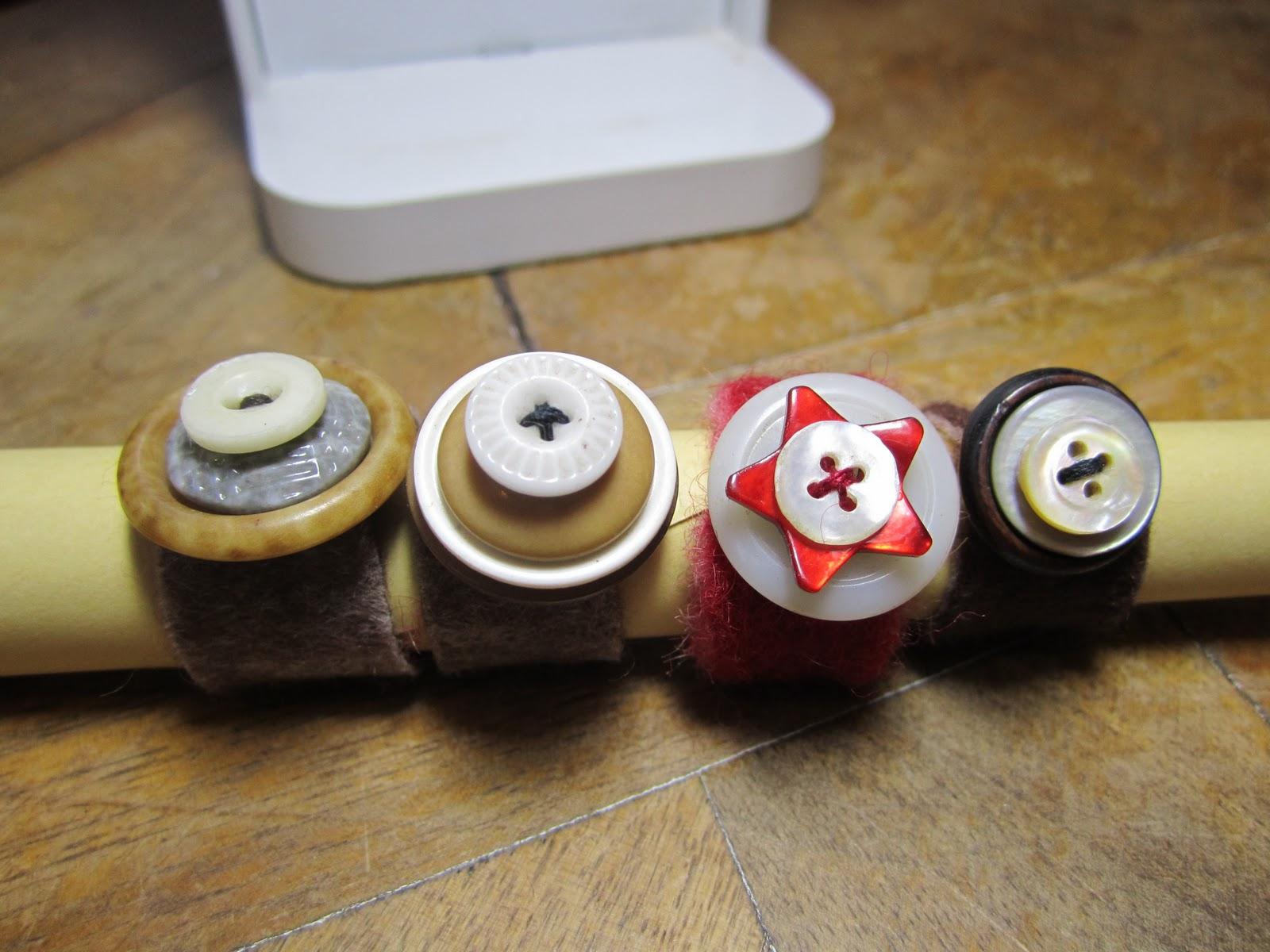 Bouton bagues - Comment faire un bracelet avec des boutons ...