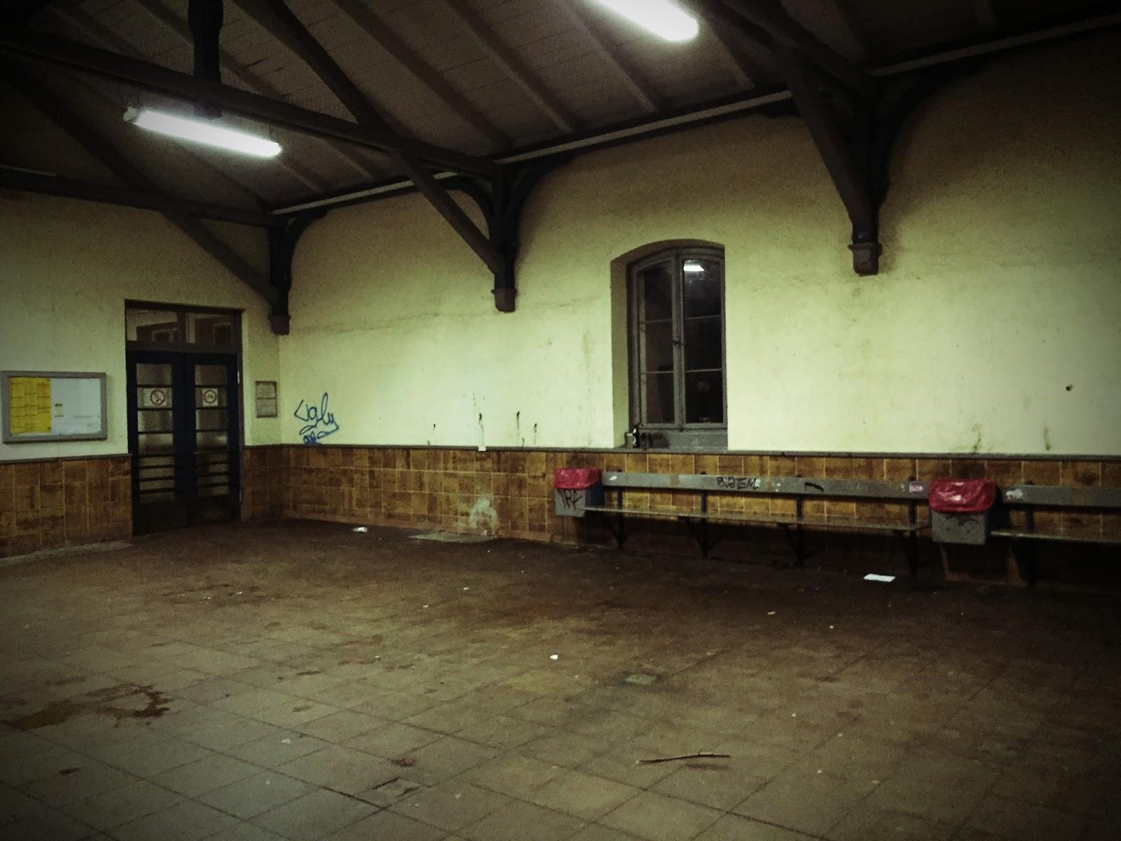 Wartehalle Bahnhof Schondorf am Ammersee