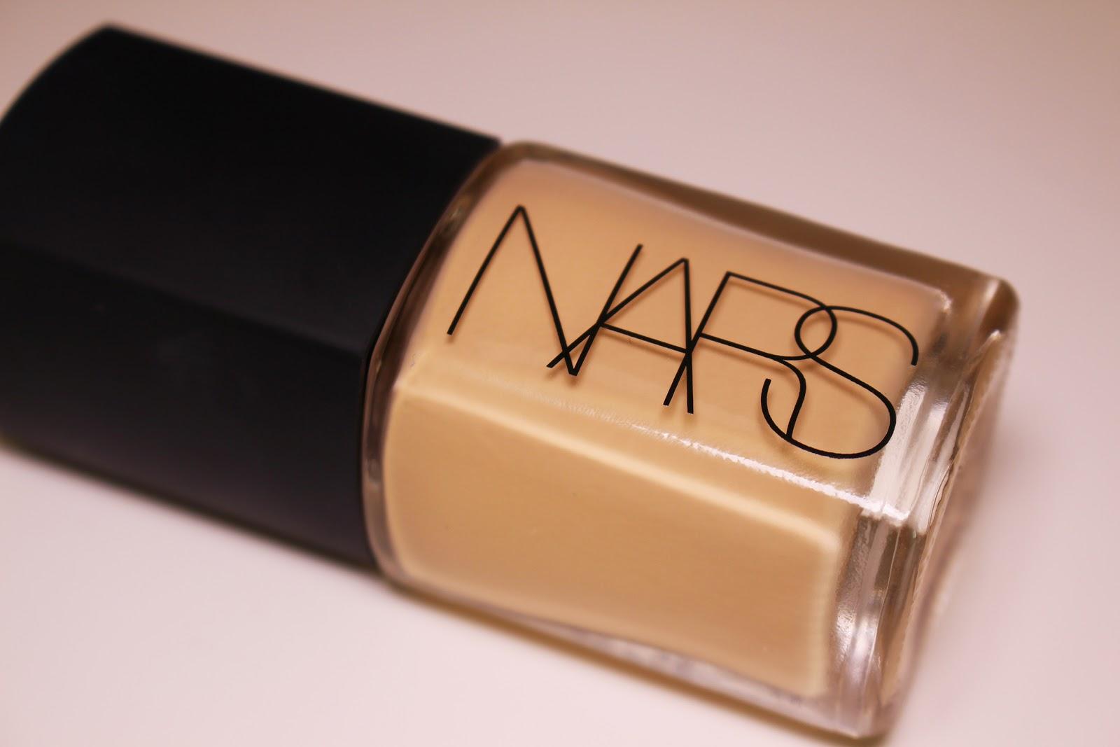 NARS Sheer Glow Foundation | Review + demo