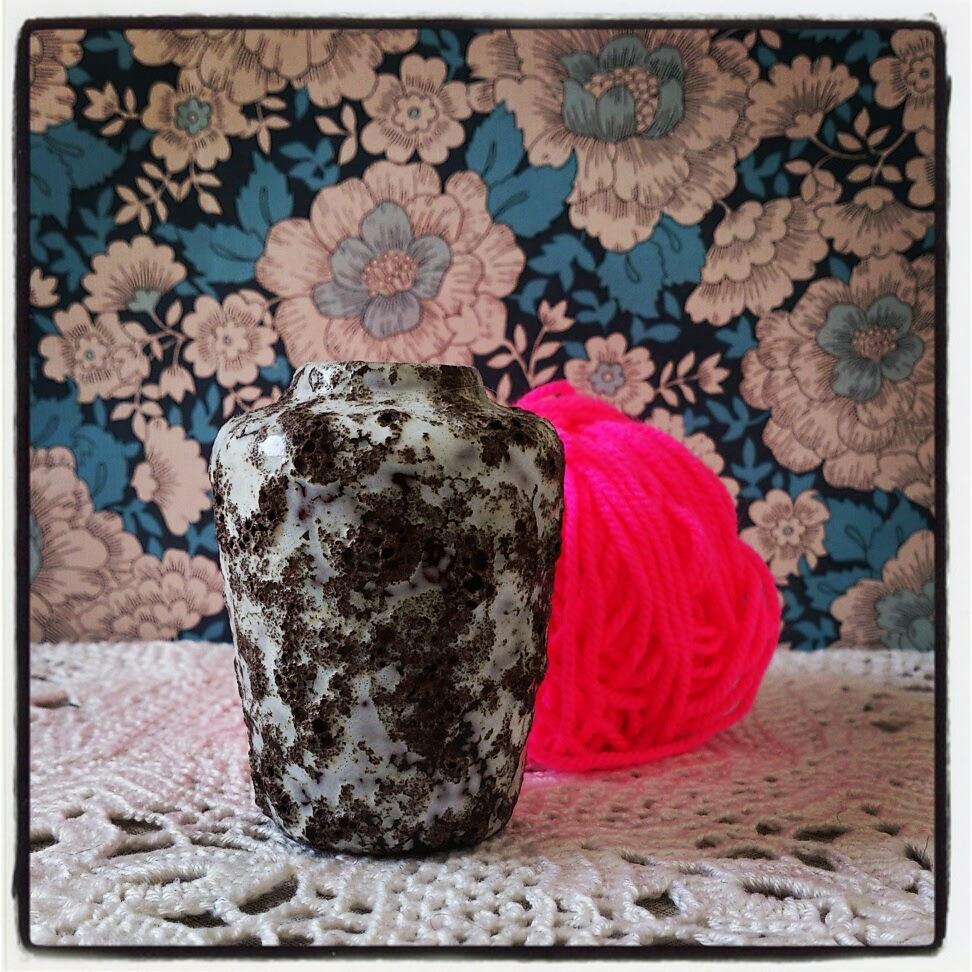 byHaafner, pink yarn, neon, vintage,