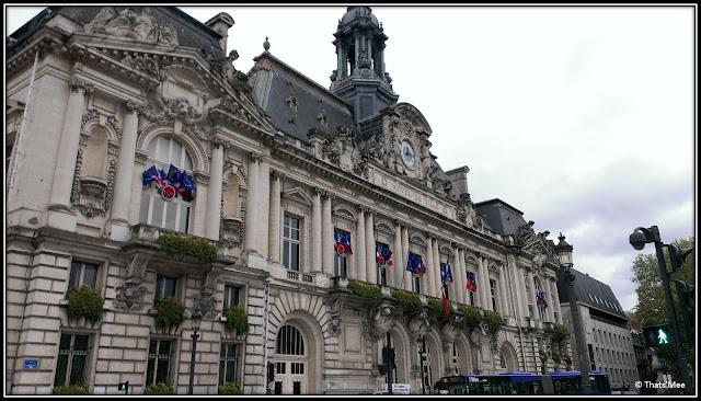 gigantesque Mairie de Tours style haussmanien