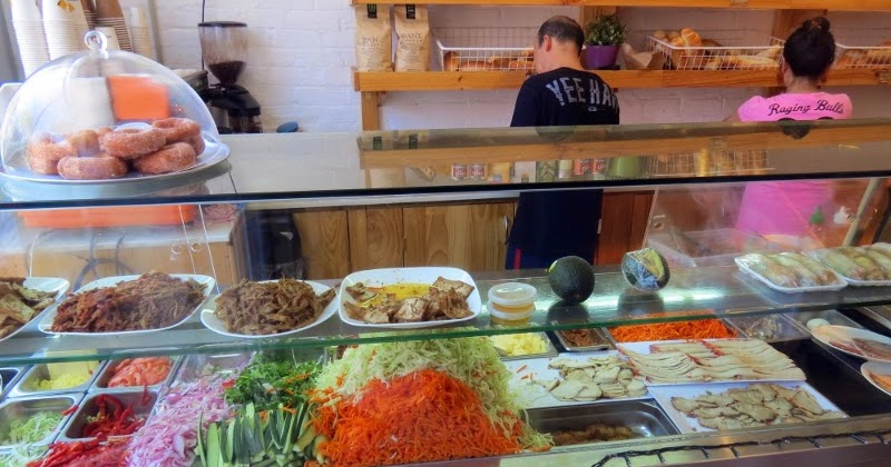 where\'s the beef? Vegetarians in Melbourne: Trang Bakery