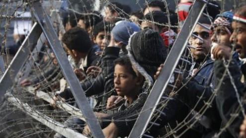 Egito: QUARENTA MORTES DEPOIS, MILITARES DÃO TRÉGUAS E PEDEM DESCULPAS