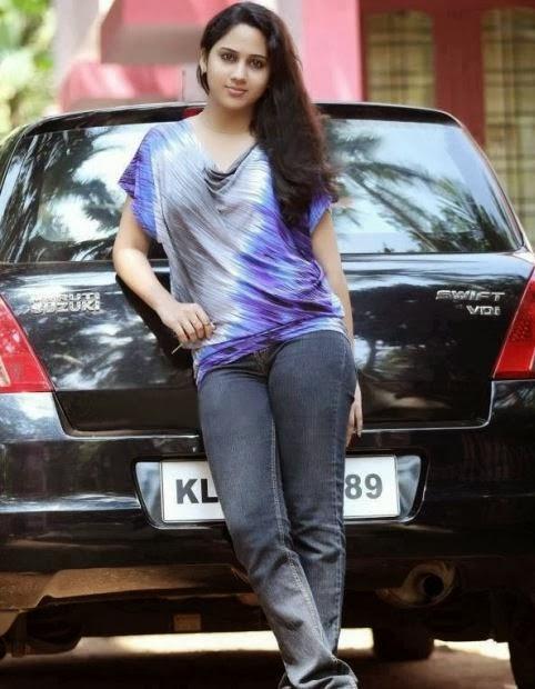 Mia George Actress Latest Photo Gallery in Salaam Kashmir Malayalam