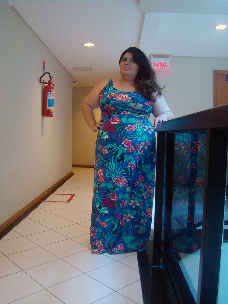 Look Moda Fashion GG Gordinha Estilo Vestido Longo Estampado Primavera Verão Sandália Rasteira Plus Size Curvy