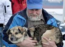polish scientist rescues dog from icy waters