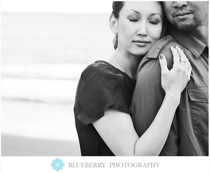 San Francisco romantic black and white baker beach engagement session close up