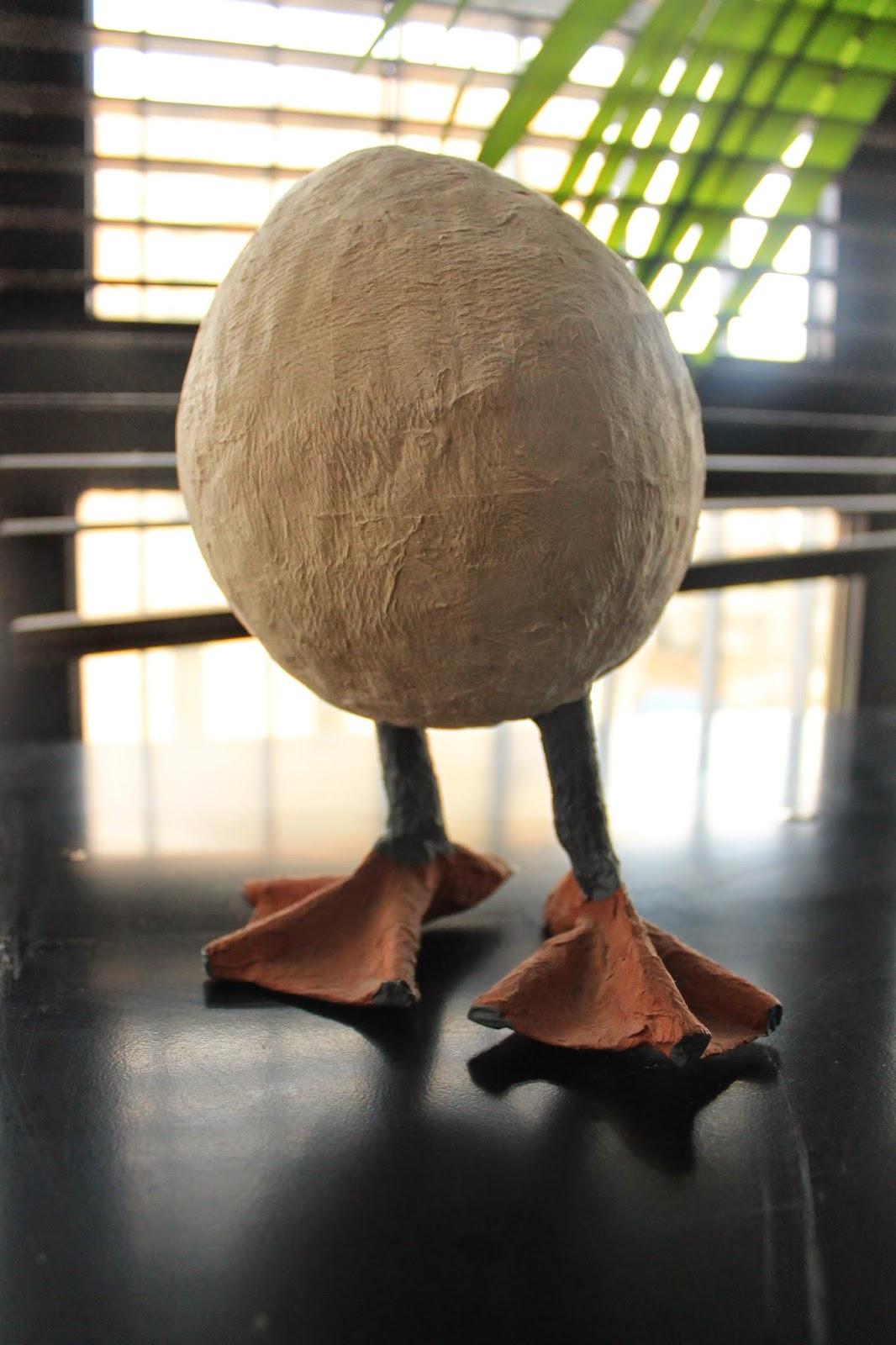 huevo papier mache